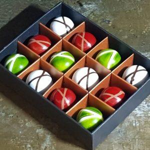 Box of 12 ganache chocolates