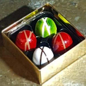 Box of 4 ganache chocolates