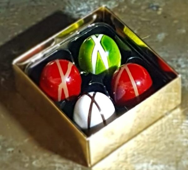 Box of 4 ganache chocolates