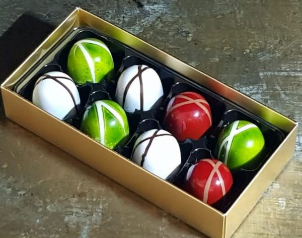 Box of 8 ganache chocolates