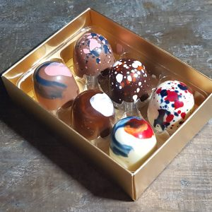 Box of 6 personalised chocolates
