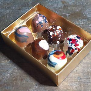 Box of 6 personalised chocolates
