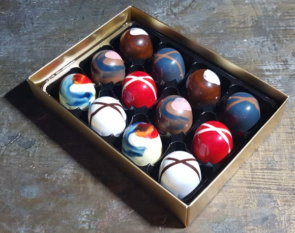 Box of 12 salted caramel and ganache chocolates
