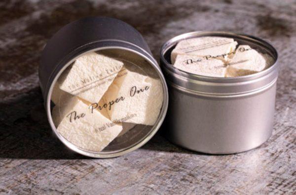 tin of 6 vanilla mallow